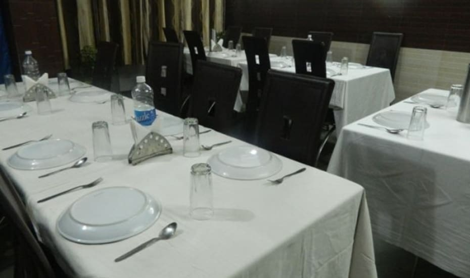 Mahabahu International Service Apartment Puri Restaurant